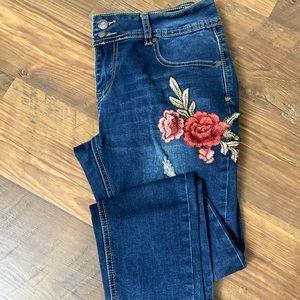 Between Us Skinny Jeans
